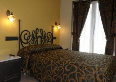 2011_habitacion_hotel_meson_de_ainsa_3.preview